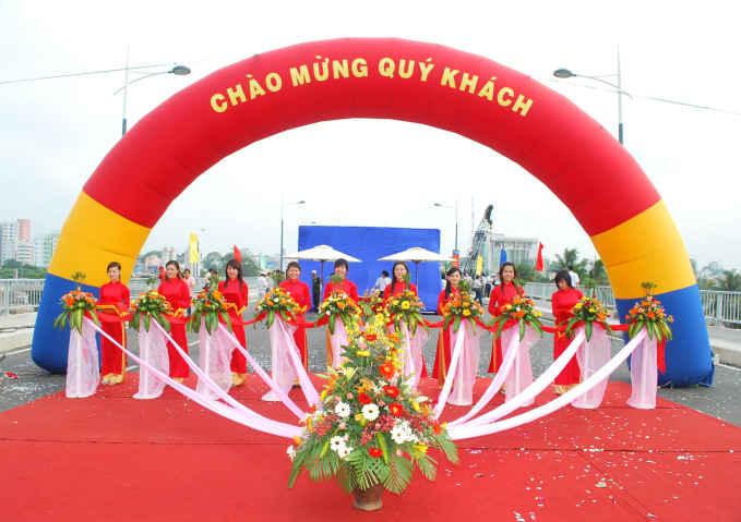 TO CHUC SU KIEN