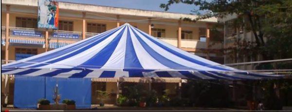 ô dù trường học trắng xanh